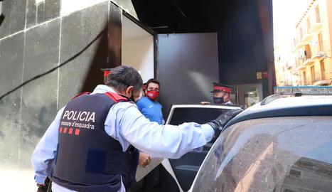 Benjamín Fernández, àlies 'Cuqui', a la sortida del jutjat de Balaguer.