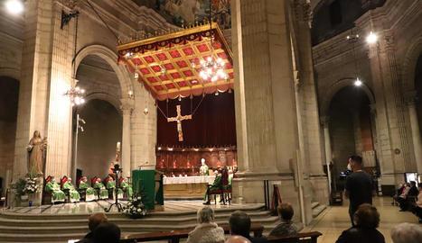 Missa funeral celebrada ahir a la Catedral de Lleida en record de les víctimes de la pandèmia.