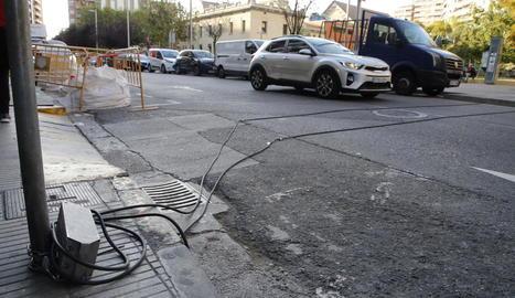 Dispositiu d'aforament de vehicles instal·lat a Lluís Companys.
