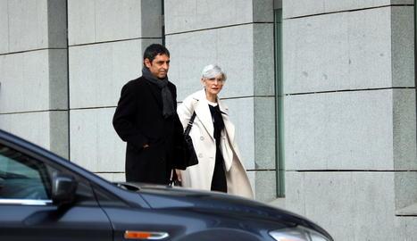 El major dels Mossos, Josep Lluís Trapero, amb la seva advocada, Olga Tubau.