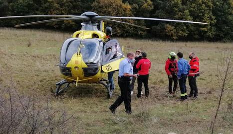 L'helicòpter dels Bombers que va traslladar el veí de Lleida fins a l'hospital de Tremp.