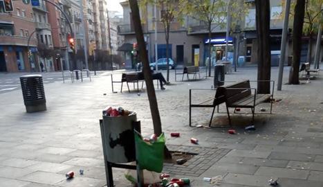 Restes del mercadillo de la plaça del Dipòsit.