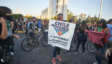 Centenars de xilens van sortir al carrer per celebrar el triomf.