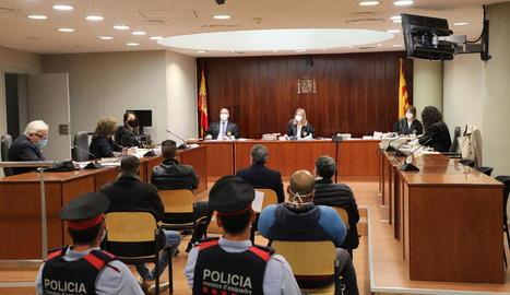 Imatge del judici que es va celebrar ahir a l'Audiència de Lleida.