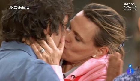 L'apassionat petó d'Ainhoa Arteta.