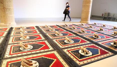 Exposició 'Línies vermelles' al Centre d'Art la Panera de Lleida, que pot continuar visitant-se.