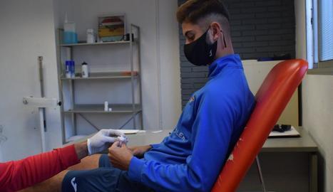 Nico Van Rijn, ahir en el moment de sotmetre's al test de la Covid-19.