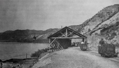 electricitat. Torre de línia desmantellada per la Confederació Hidrogràfica de l'Ebre per facilitar les maniobres als hidroavions que hagin d'apagar possibles incendis.