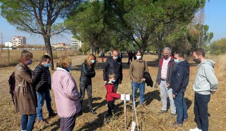 L'alcalde i diversos regidors van visitar ahir la zona verda.