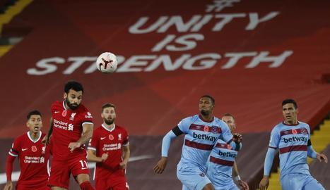 El Liverpool, líder provisional, i triomfs de Chelsea i City