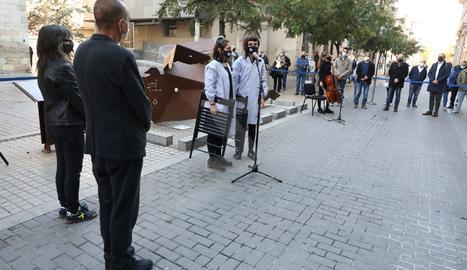 Lleida commemora el 83è aniversari del bombardeig al Liceu Escolar