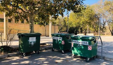 Un dels punts de recollida d'escombraries de Fraga.