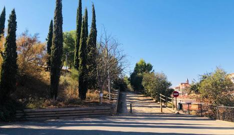 L'accés al parc de Luis Buñuel.