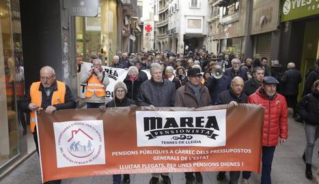 Imatge d'arxiu d'una manifestació de la Marea Pensionista al centre de Lleida.