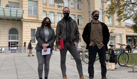Elena Ferre, Jaume Moya i Sergi Talamonte, en roda de premsa.