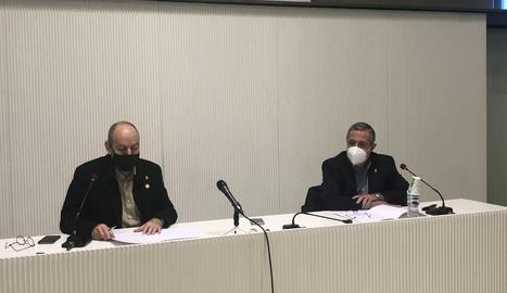 El regidor de Ciutat i Cultura, Jaume Rutllant, i el director de l'Institut d'Estudis Ilerdencs, Joanjo Ardanuy, han presentat el 37è Premi d'assaig Josep Vallverdú i el 25è Premi de poesia Màrius Torres.