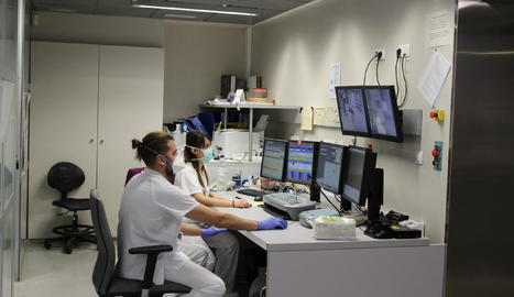 Professionals de la unitat de l'hospital Arnau de Vilanova.