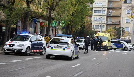 L'accés a Prat de la Riba des de la plaça Ricard Viñes va estar tallat gairebé una hora per l'atracament.
