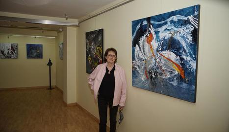 Obres abstractes de Montserrat Viaplana, a Le Petit Atelier de Lleida