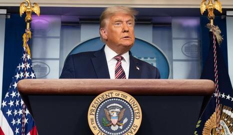 Donald Trump va rebutjar ahir ser el primer president dels EUA que no aconsegueix la reelecció en els últims 30 anys i va anunciar una batalla legal.