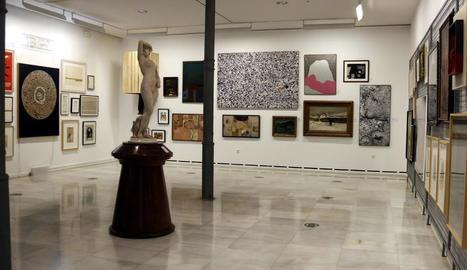 Algunes obres de l'exposició de l'Inventari General del Museu d'Art Jaume Morera.