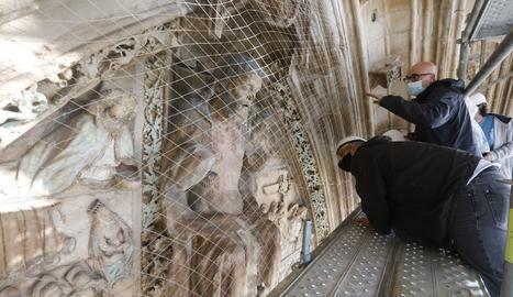 Policromies que han deixat al descobert les obres de restauració de la Seu Vella de Lleida.