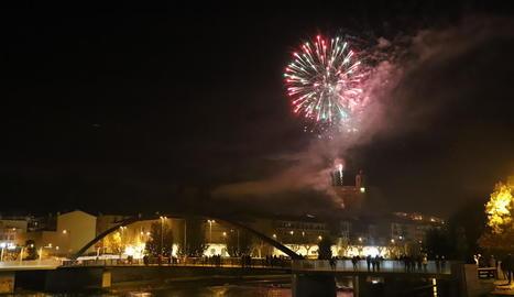 Els focs artificials van tancar les festes del Sant Crist.