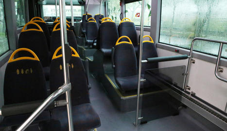 Imatge d'arxiu d'un autobús urbà completament buit.