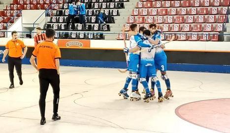 Los jugadores del Llista celebran uno de los goles.