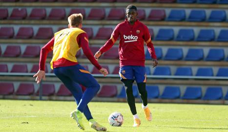 Els jugadors de la primera plantilla es van entrenar ahir amb el filial.