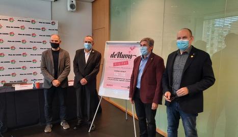 Els organitzadors de DeNuvis, ahir en la presentació a Lleida.