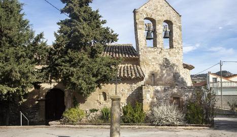 Estat actual del temple de Sant Pere, a Ribera d'Ondara, tancat actualment al culte.