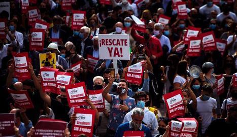 Hotelers van protestar ahir en diferents demarcacions per reclamar compensacions pel tancament.