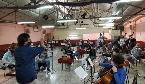Assaig ahir de l'Orquestra de Cambra Catalana i el Jove Projecte Orquestral, que avui obren el festival.