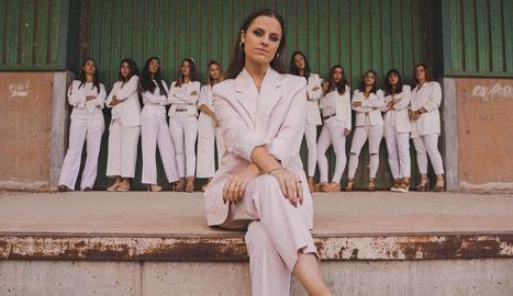 Júlia Sanfeliu, de nom artístic Lia Auris, al videoclip del tema 'I'll tell her', gravat a Lleida.