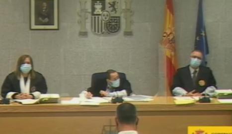Javier Martínez, el pare del Xavi, durant la seua declaració davant del tribunal de l'Audiència Nacional.