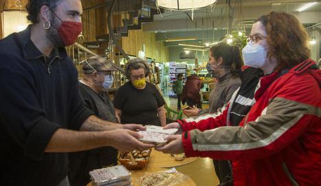 Dos bars de la Vall de Corb van donar a conèixer els seus productes a Tàrrega dijous passat.