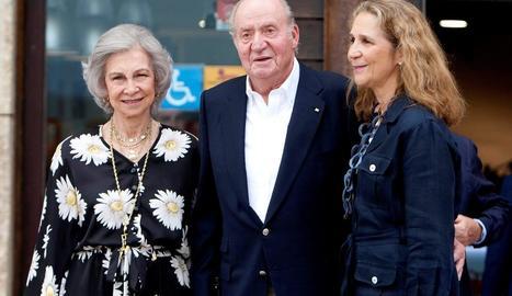 Joan Carles I, amb la seua esposa Sofia i la seua filla Elena.