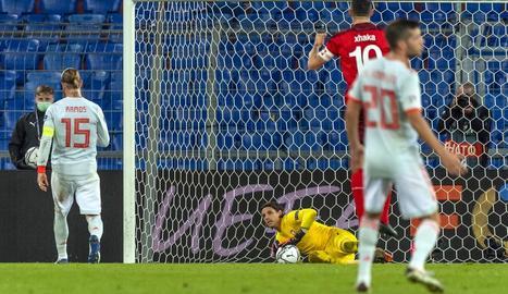 Sergio Ramos, després de llançar un dels dos penals que va fallar ahir contra Suïssa.