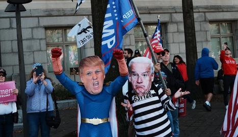 "Simpatitzants de Donald Trump van protestar contra el ""frau electoral"" dissabte a Washington."