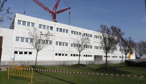 Les obres del nou edifici de l'hospital Arnau de Vilanova.
