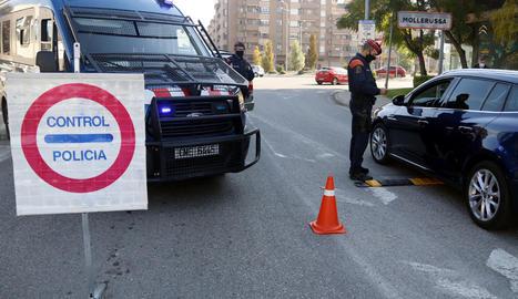 Un control dels Mossos d'Esquadra a l'accés de Mollerussa.