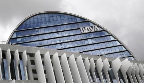 Imatge de la seu corporativa del BBVA a Madrid. L'entitat explora una fusió amb el Banc Sabadell.