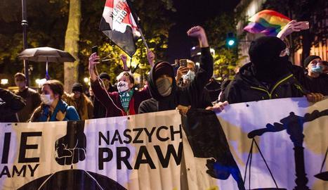 Imatge d'una manifestació a Polònia contra la llei de l'avortament.