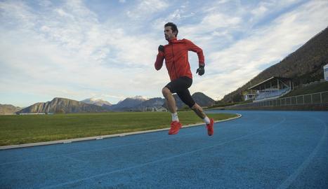 L'atleta lleidatà s'està entrenant aquests dies a córrer sobre el tartan.