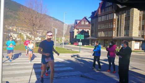 La marató de Vielha es va celebrar diumenge i va vendre 1.000 dorsals.
