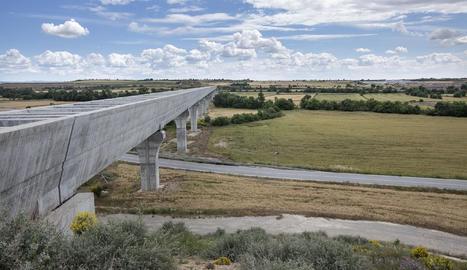 El canal principal del Segarra-Garrigues als Plan de Sió.
