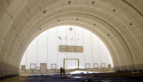 Instal·len un segon hangar per a la reparació i manteniment d'avions a l'aeroport de Lleida-Alguaire