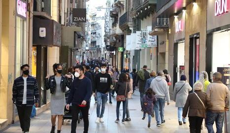 Vista d'arxiu de l'Eix Comercial de Lleida.