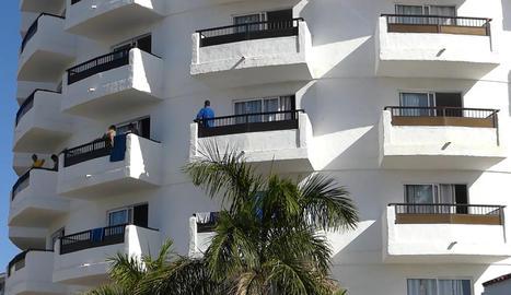 Alguns migrants han estat traslladats a hotels de les Canàries.